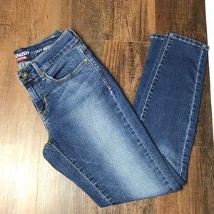 "Levi's Denizen ""Curvy Skinny"" Jeans Size 27"